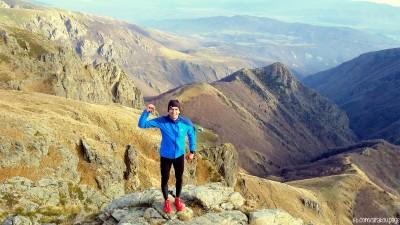 Връх Ботев винаги си е сериозно предизвикателство! Все повече ми харесва да се катеря по стръмни баири!